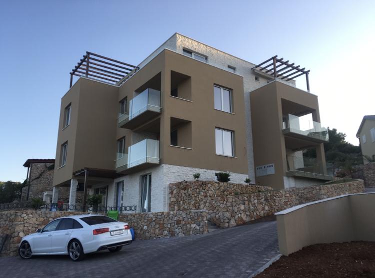 Zgrada s apartmanima – Murter, Plitka Vala